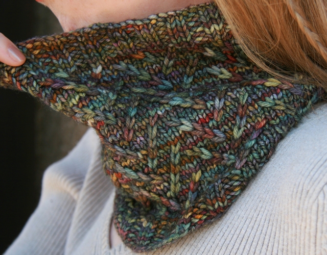 Pebble Brook pattern by Allison LoCicero | frecklesandpurls.com
